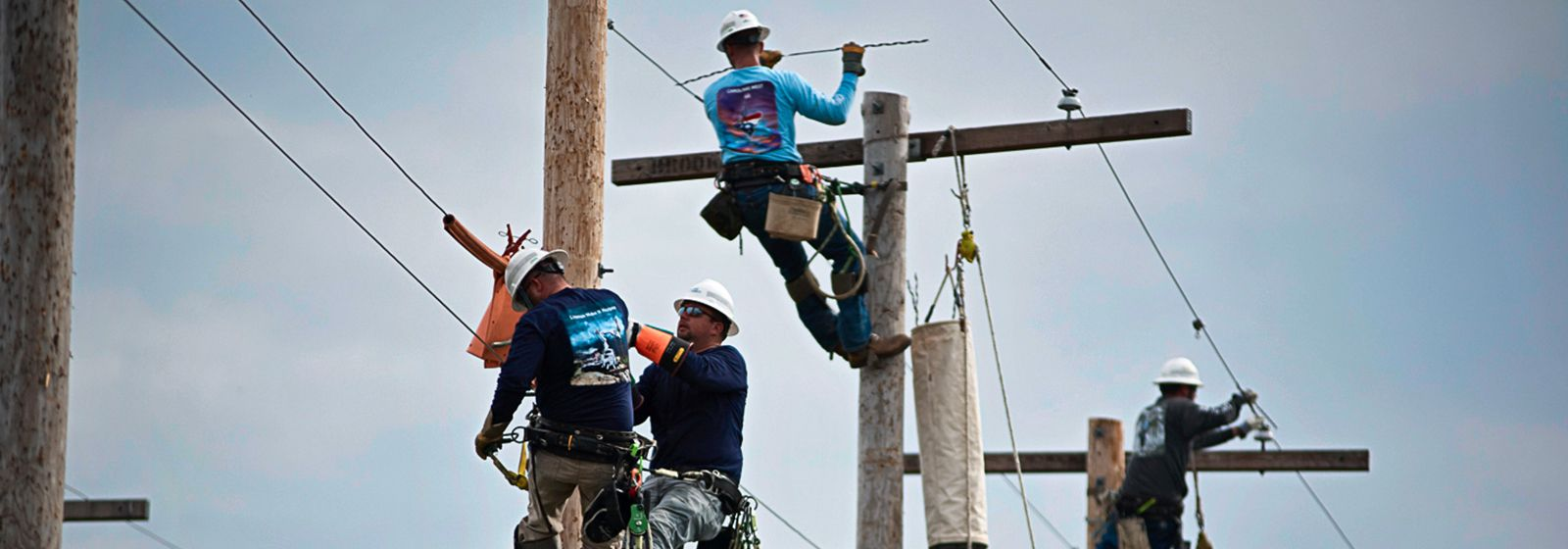 Linemen climb to the top of the world at rodeo