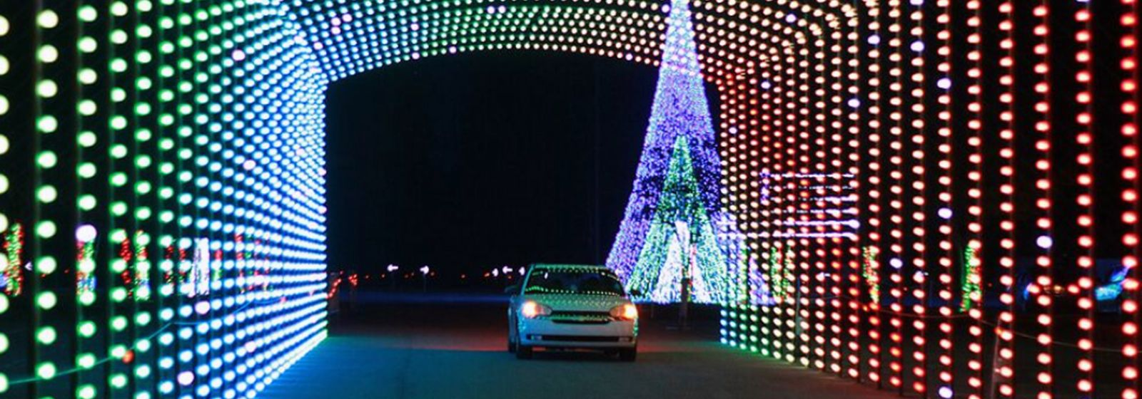 Where to find big, bright holiday light displays