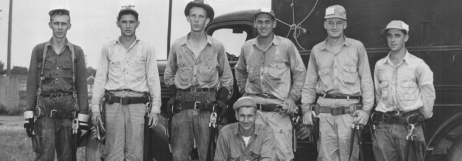 Retro photos: The first lineworkers