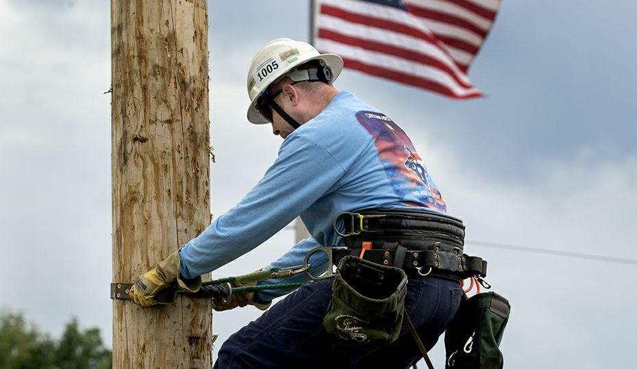 After overcoming cancer, this lineworker heads out to help others following Hurricane Delta