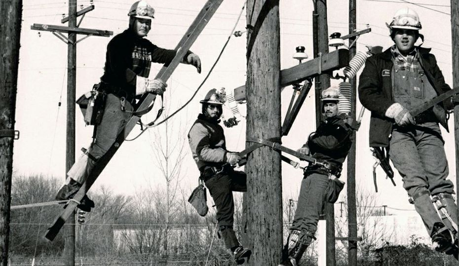 Retro photos: Lineworkers through the years