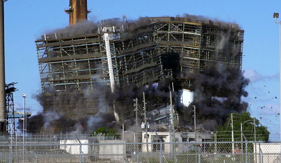 Duke Energy implodes retired coal plant in Florida