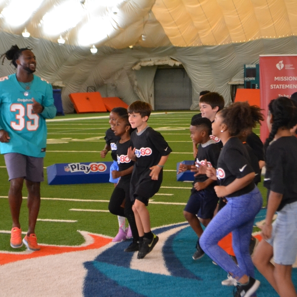 NFL Play 60 high knees