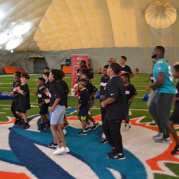 NFL Play 60 group exercise