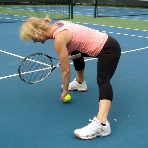 Tennis+woman+stretching