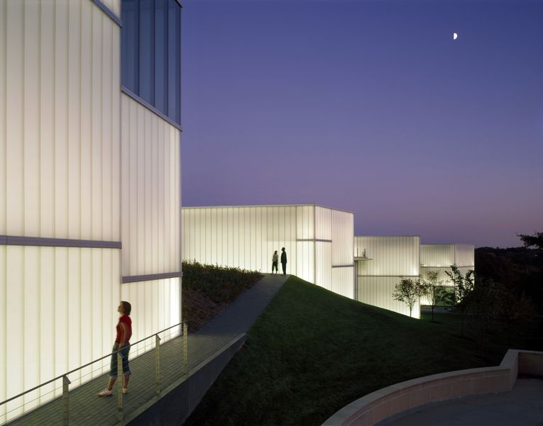 The Nelson-Atkins Museum of Art, Bloch Building
