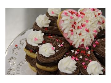 Culinary Corner: Heart Shaped Donut Cake