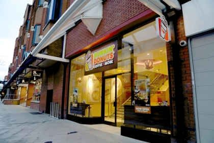Dunkin' Donuts Opens First UK Restaurant