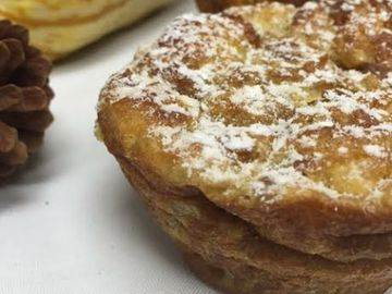 Dunksgiving Desserts: Croissant Donut Bread Pudding and Bold Breakfast Black™ Tea Crème Anglaise