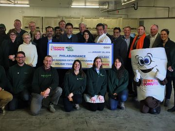 """Dunkin' Donuts Bringing Joy: Greater Philadelphia Franchisees Continue to """"Roast Hunger"""" This Holiday Season"""
