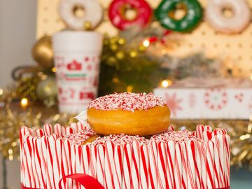 Get Festive With These Candy Cane Crunch Cake and Donut Wall Recipes from Cooking Panda