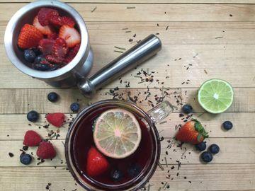 Berry Hibiscus Kiss Tea Toddy