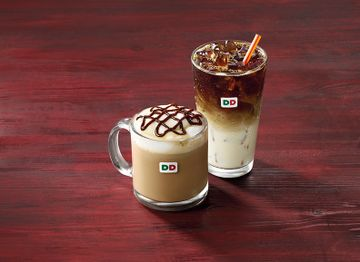 Brown Sugar Cinnamon Iced Macchiato & Peppermint Mocha Hot Latte Lifestyle