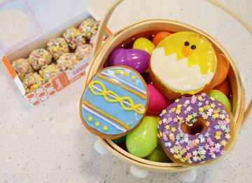 Celebrate Easter With This Diy Pull Apart Bunny Donut Cake
