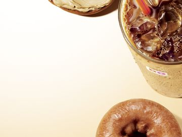 Feeding Fall Cravings: Dunkin' Donuts' Pumpkin and Maple