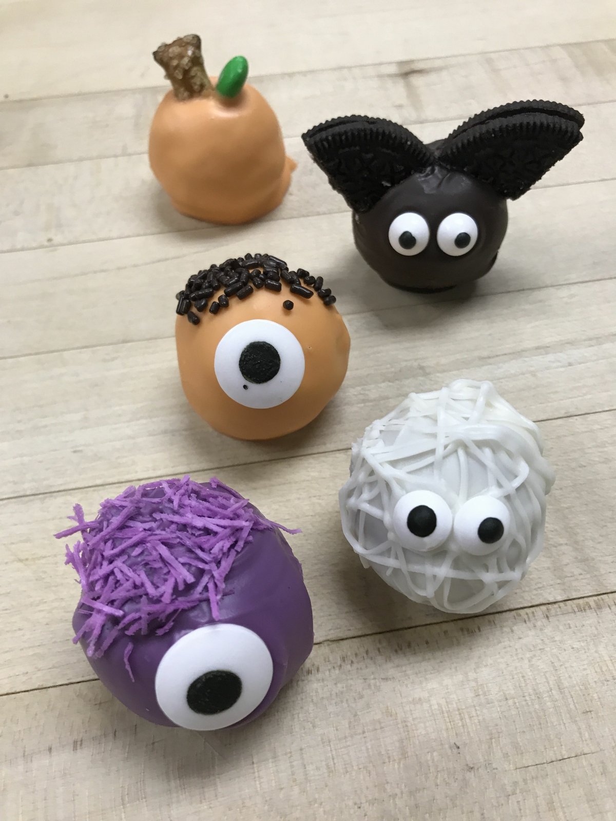 These DIY Monster MUNCHKINS® Make For A Wickedly Fun Halloween Activity