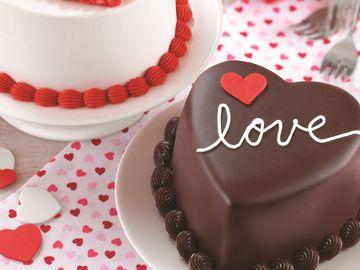 Valentine's Day Cakes 2017