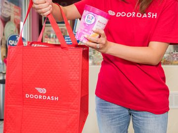 Baskin-Robbins and DoorDash Partner to Launch Door-to-Door Delivery  Across the U.S.
