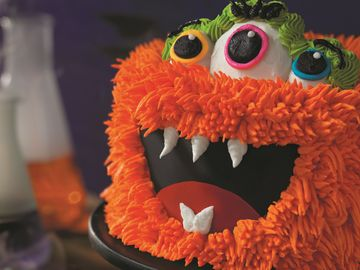 Baskin-Robbins Introduces Scarily Delicious Halloween Lineup Including new Fang-Tastic Monster Cake