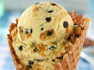Baskin-Robbins Brings Back Fan-Favorite Flavor, Mom's Makin' Cookies, Just in Time for National Chocolate Chip Cookie Day