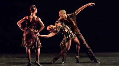 Belen Pereyra, Linda Celeste Sims, Yannick Lebrun in Paul Taylor's Piazzolla Caldera