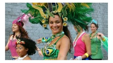 Quenia Ribeiro during the Brazilian Independence Day workshop parade