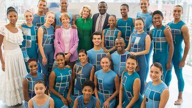 Jacqueline Green, Chairman Emerita Joan H. Weill, Elaine P. Wynn, Artistic Director Robet Battle and students from The Ailey School