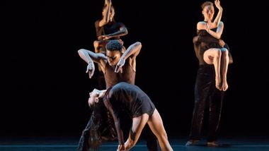 Danica Paulos, Solomon Dumas and the Company in Mauro Bigonzetti's Deep