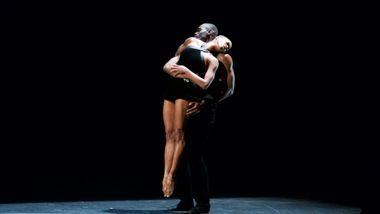 AAADT's Jamar Roberts and Akua Noni Parker  in Ulysses Dove's Episodes.  Photo by Earl Gibson.