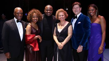 Chris Womack, Artistic Director Robert Battle, and Gala Co-Chairs Gina Adams, Debra Lee, Lyndon Boozer, and Sela Collins