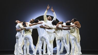 Alvin Ailey American Dance Theater in Jessica Lang's EN