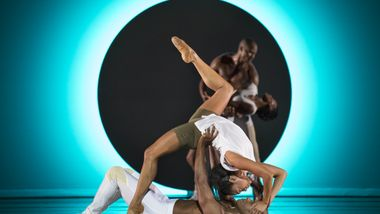Alvin Ailey American Dance Theaters Linda Celeste Sims and Glenn Allen Sims in Jessica Langs EN. Photo by Paul Kolnik