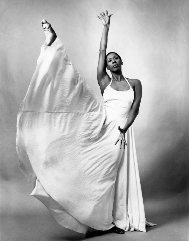 Judith Jamison in John Butler's Facets. Photo by Jack Mitchell. (©) Alvin Ailey Dance Foundation, Inc. and Smithsonian Institution