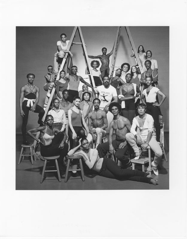 Alvin Ailey with the Company in 1978. Photo by Jack Mitchell. (©) Alvin Ailey Dance Foundation, Inc. and Smithsonian Institution