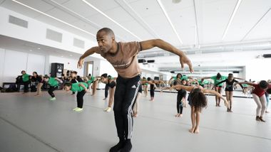 Amos Machanic leads Ailey Classics at Ailey Experience in DC 2020. Photo by Jonathan Hsu