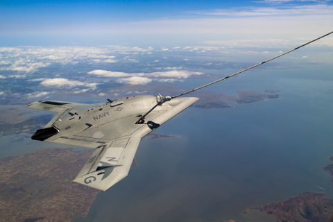 Photo Release -- X-47B Unmanned Aircraft Demonstrates the First Autonomous Aerial Refueling