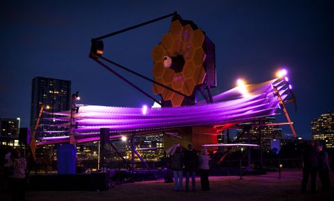 Full scale model James Webb Space Telescope