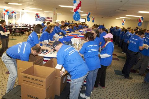 Rolling Meadows USO Care Package Stuffing Party (c)