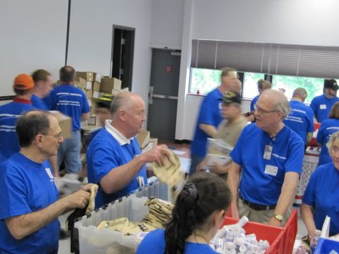 USO Stuffing Party (a)
