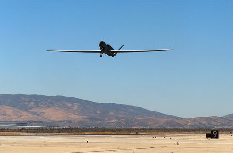 RQ-4A Global Hawk (b)