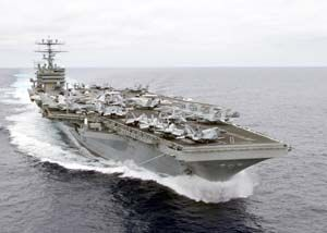USS Carl Vinson at sea (d=25590)