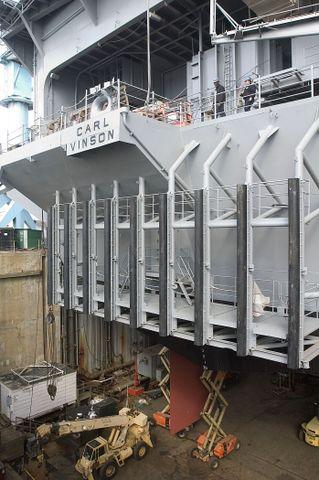 USS Carl Vinson's rudder installation