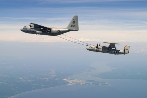 E-2D Aerial Refueling Test Flight Results in a Topped-off Tank