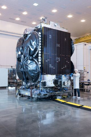 Orbital ATK Delivers Al Yah 3 Commercial Communications Satellite to Launch Site