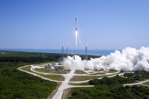 Cape Canaveral Air Force Station, Fla. (May 20, 2015) A United Launch Alliance (ULA) Atlas V rocket  ...