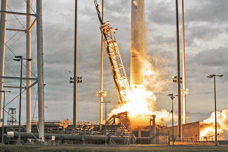Antares OA-8 Launch