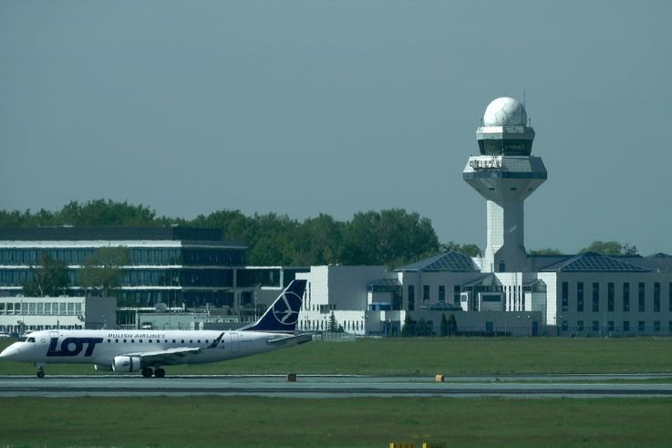 Northrop Grumman Secures Ground to Air Communication Requirements for Airports in Poland