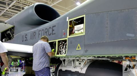 Northrop Grumman Palmdale Facility Awarded Quality Plant of the Year_2