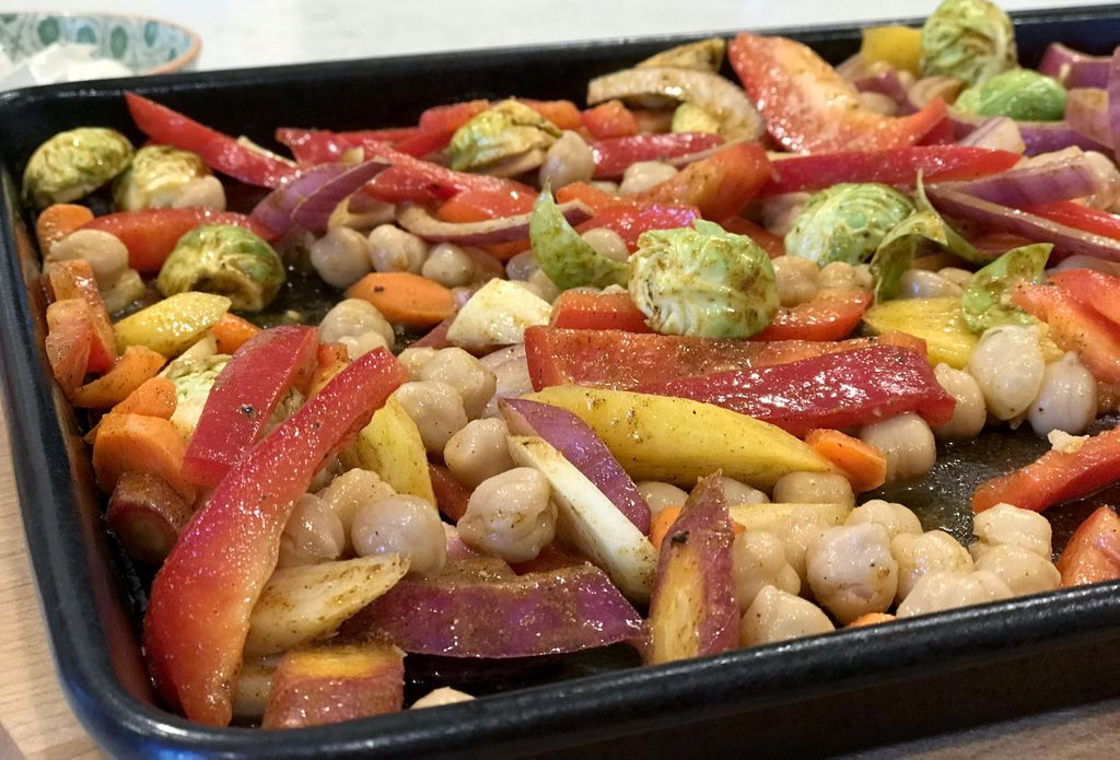 tray of chopped vegetables