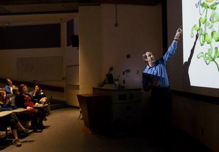 Creative Science School visits OHSU